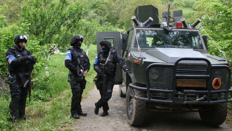 PUCNjAVA NA ADMINISTRATIVNOJ LINIJI: Albanci uhvaćeni u krađi šume, pa zapucali i pobegli