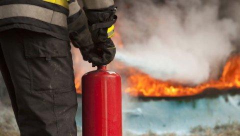 POŽAR U SARAJEVU: Gori pilana - vatrogasci na terenu | Novosti.RS