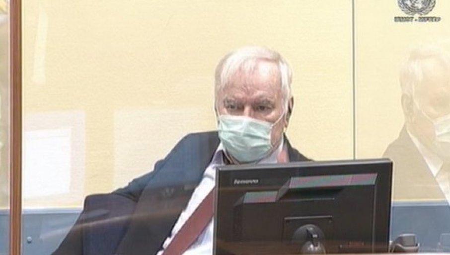 СКАНДАЛ У ХАГУ: Генерала Младића осудили на основу туђух пресуда и без ваљаних доказа
