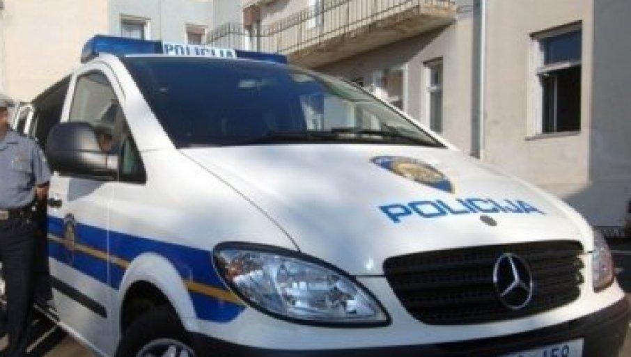PRVA FOTOGRAFIJA NESREĆE U HRVATSKOJ: Auto potpuno smrskan, poginulo troje mladih iz Srbije (FOTO)