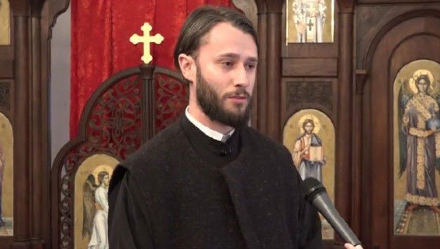 ИЗАЂИ ПОПЕ, ОВО ЈЕ НАША ДРЖАВА! Тежак инцидент у Рожајама – ДПС присталице опколиле цркву Ружицу и застрашивале свештеника са породицом