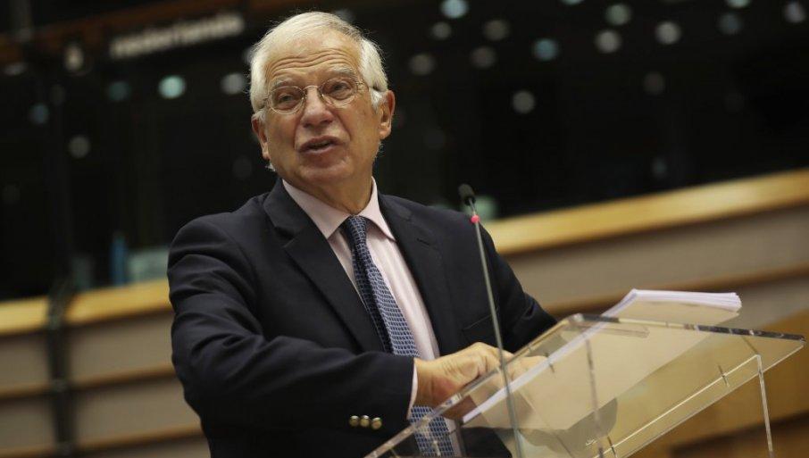 BORELJ: Beograd i Priština da bezuslovno deeskaliraju situaciju na severu Kosova i Metohije