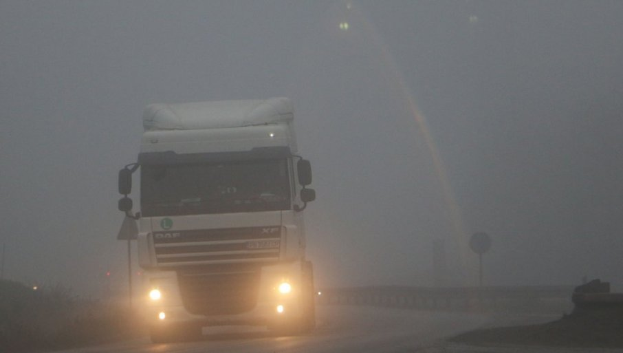 UPOZORENJE ZA VOZAČE: Magla na više deonica auto-puteva