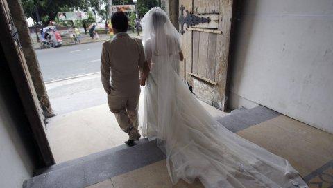 Iz devojke republike zapadne srpske srbije udaju za ŽIVA BILA
