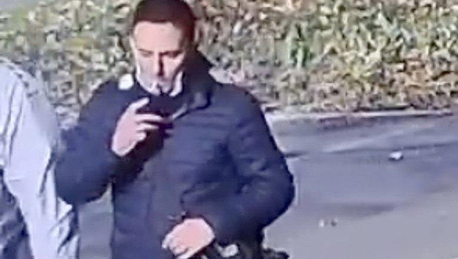 AKO STE VIDELI OVOG ČOVEKA OBAVEZNO SE JAVITE: Novosadska policija traga za njim - evo za šta ga sumnjiče (FOTO)