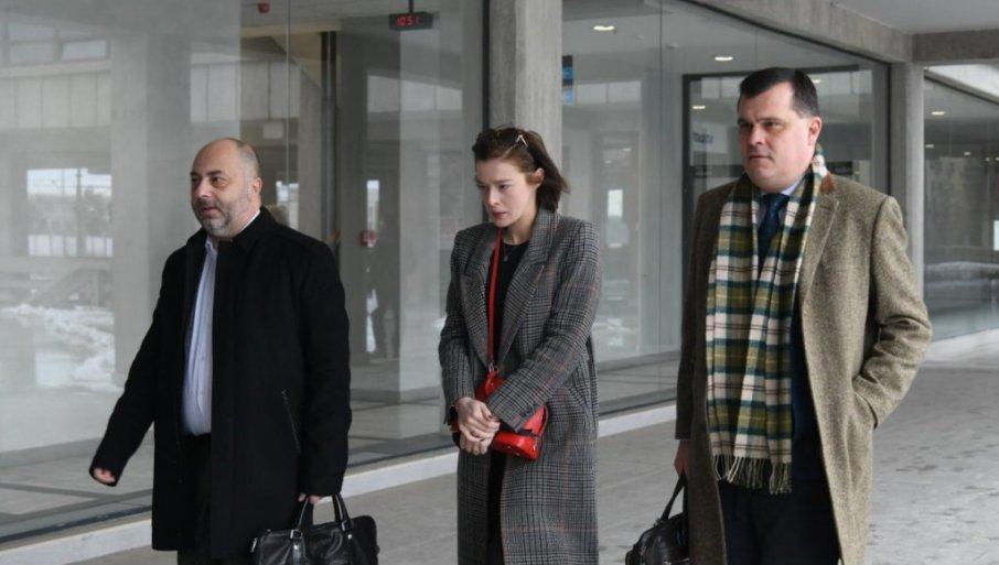 SVEDOČENjA I VIDEO-LINKOM: Advokat Denis Bećirić tražiće status posebno osetljivog svedoka za maloletnu devojku koja tereti Miku Aleksića