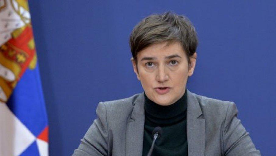 ПОМОЋ ОД 60 ЕВРА: Брнабић открила детаље - Ево како ће се за подршку државе пријављивати грађани, а како пензионери