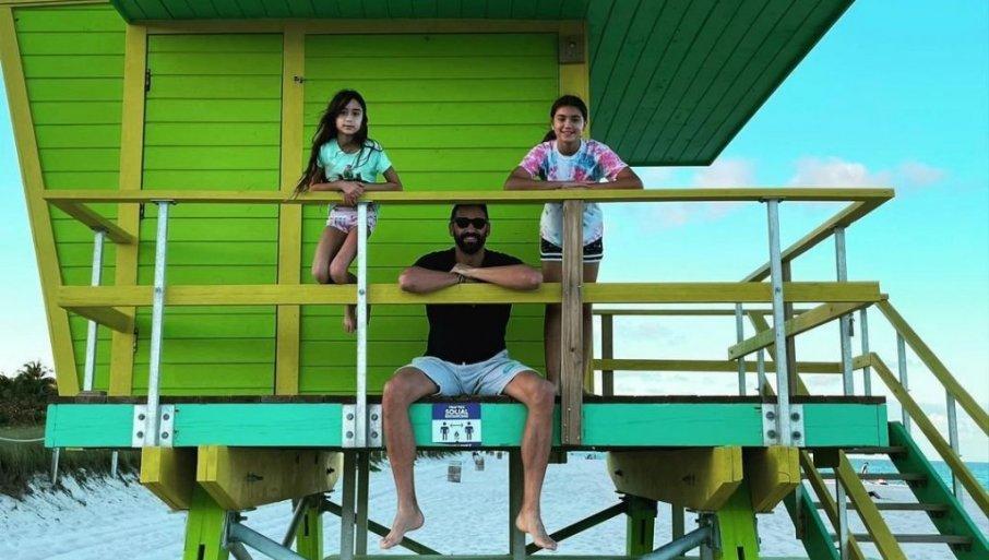 VIKEND SA ĆALETOM: Marko Jarić sa ćerkama Valentinom i Sijenom u Majami Biču