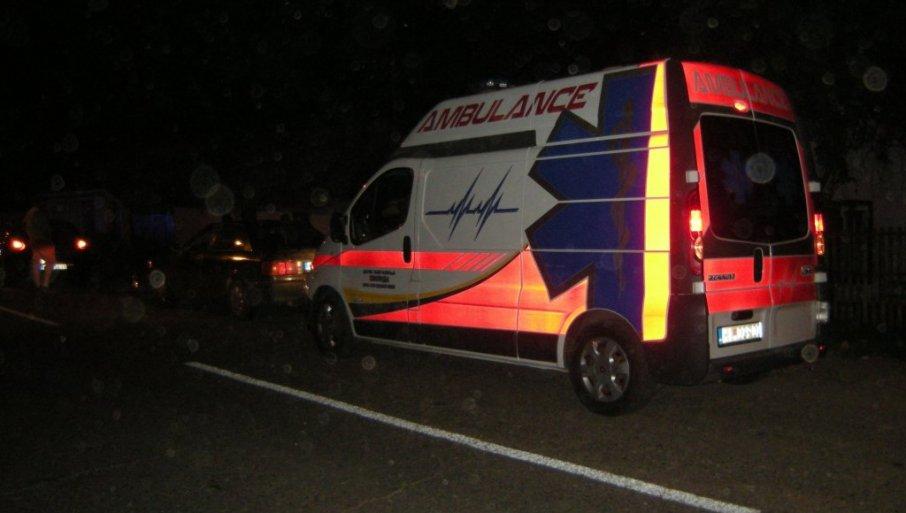 TEŠKA SAOBRAĆAJNA NESREĆA U LESKOVCU: Motociklista hitno prevezen u bolnicu