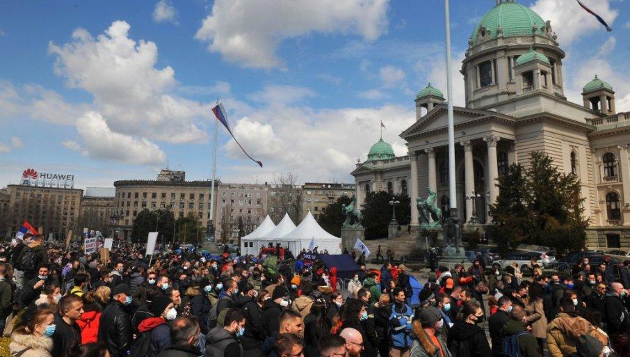 POSTIGNUT DOGOVOR IZMEĐU VLADE SRBIJE I FRILENSERA: Radnici na internetu odlučili da prekinu protest