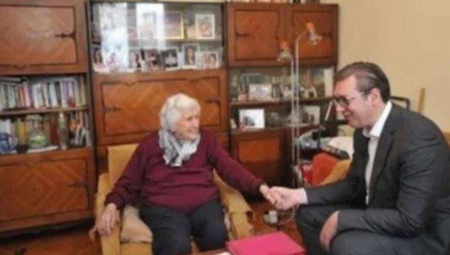 VUČIĆ SE OPROSTIO OD BAKA NADE: Predsednik objavio fotografiju koja je nastala tokom njihovog susreta (FOTO)