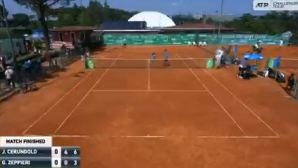 УБИЋУ ТЕ, САМО ДА ИЗАЂЕШ СА ТЕРЕНА: Млади тенисер претио судији после меча (ВИДЕО)