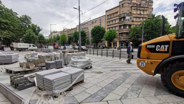 PLATO GOTOV ZA VIKEND? Posle probijanja svih rokova i dvogodišnje gradnje,  skver kod Palmotićeve ulice konačno će biti završen