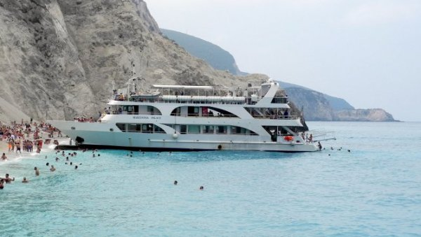 HOW TO GET TO THE GREEK ISLANDS: These are the conditions for traveling by boat or ferry