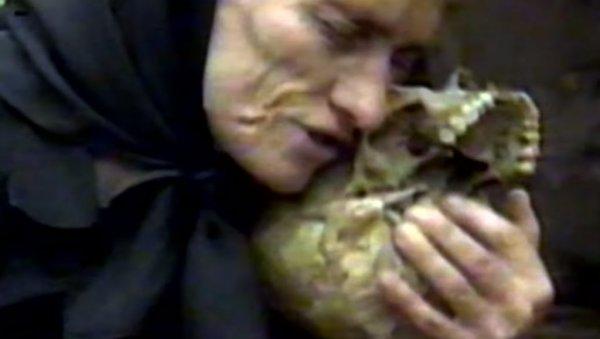 ЗЛОЧИН БЕЗ КАЗНЕ: Годишњица масакра над Србима у Сребреничком селу Ратковићи (УЗНЕМИРУЈУЋИ ВИДЕО)