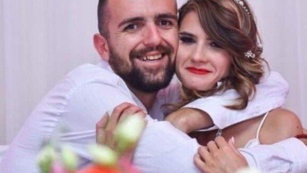 ПОРОДИЦА РИСТА ЈОВАНОВИЋА ОЧАЈНА: Младића ухапшеног на Газиместану код куће чека тек рођена ћерка Зорка