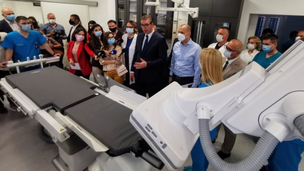 (LIVE) VUCIC VISITS SAINT SAVA HOSPITAL: I am afraid that a new wave of the corona will arrive during the summer (VIDEO)