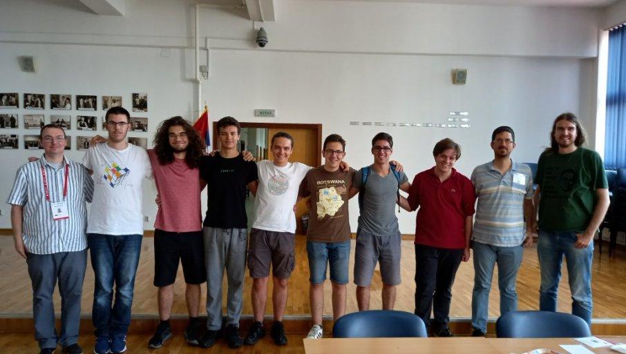 DONELI SRBIJI ČETIRI MEDALJE: Uspeh mladih talenata iz Srbije na Matematičkoj olimpijadi (FOTO)