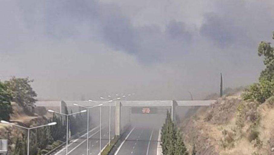 VELIKI POŽAR U GRČKOJ: Stanovništvo hitno evakuisano, vatrogasci u borbi sa plamenom! (FOTO/VIDEO)