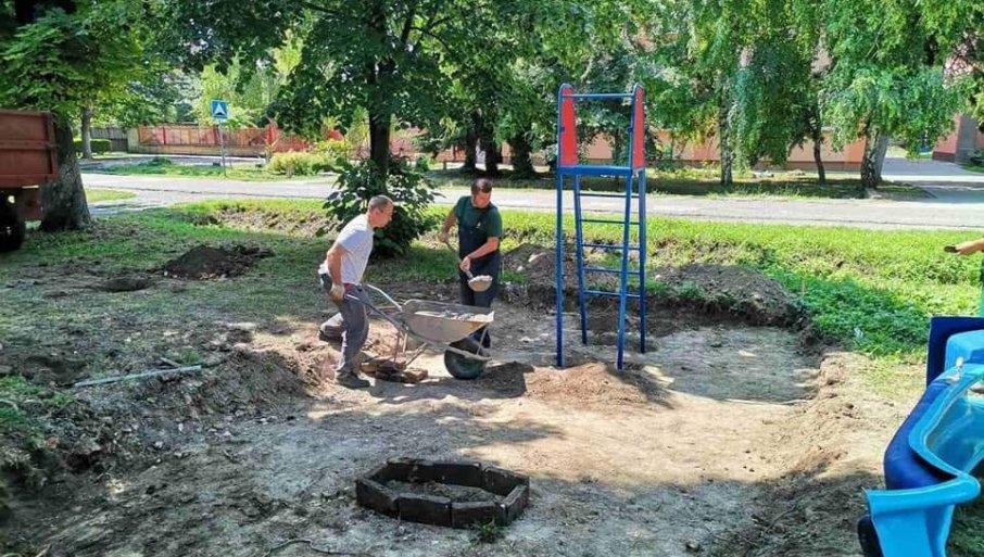 NAJMLAĐI DOBIJAJU SVOJE KUTKE ŠIROM SOMBORA: Izgradnja dečjih igrališta u gradskim naseljima