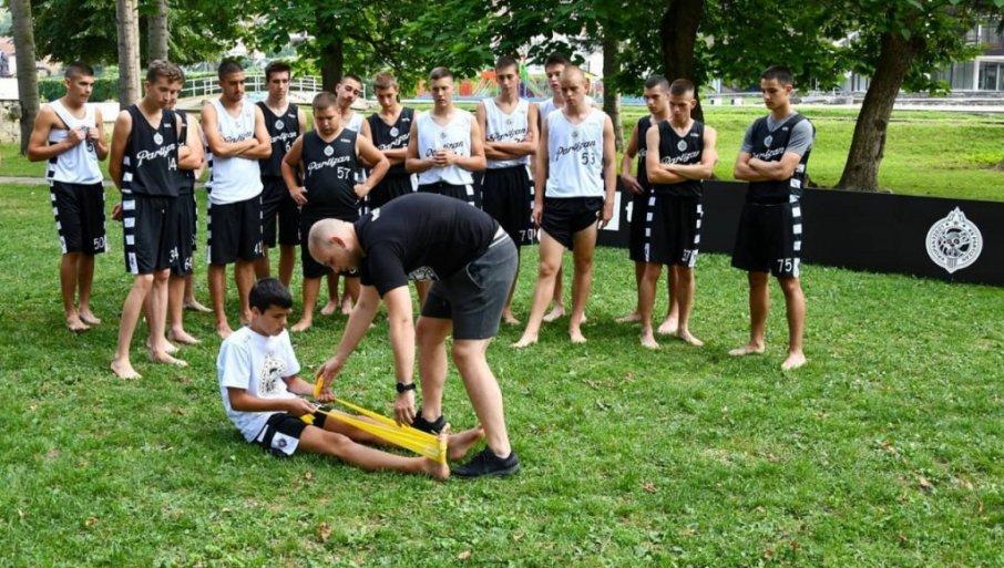 ZAVRŠEN LETNJI KAMP KK PARTIZAN:  Mališani prošli košarkašku i edikativne radionice