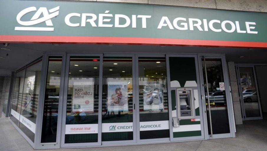 KO KASNI SA RATAMA ZA KREDIT, NE MOŽE DA BIRA: Odgovor Kredi agrikol banke na tekst da svojoj klijentkinji naplaćuje opomenu