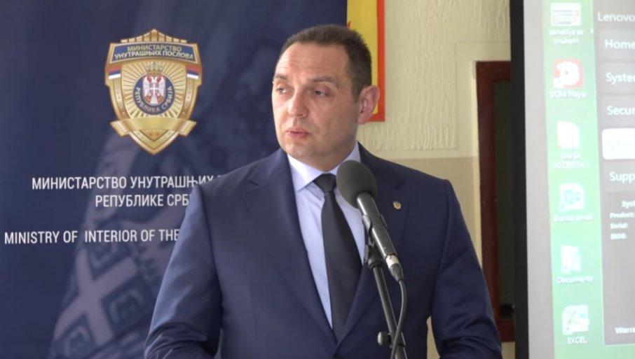 TOLIKO KOMPLEKSA NA JEDNOM MESTU NIJE DUGO VIĐENO! Vulin odgovorio na napade od strane Milanovića i Đukanovića
