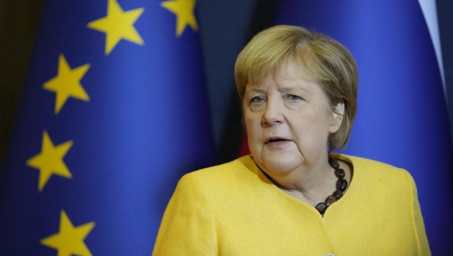MERKELOVA PORUČUJE: Države EU treba da se usaglase kuda ide evropski blok