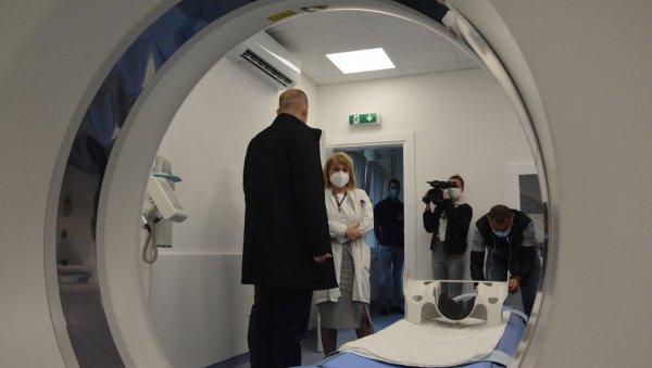 CINCO MÉDICOS MÁS Y AL MENOS 10 ENFERMERAS Y RENOVACIÓN: El ministro Dr. Zlatibor Lončar visitó el centro de salud en Negotin y anunció inversiones
