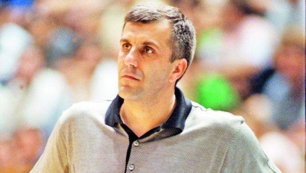 ДЕБИ ИЗ СНОВА: Жељко Обрадовић је први меч на клупи Партизана имао у Купу шампиона и одмах одушевио гробаре