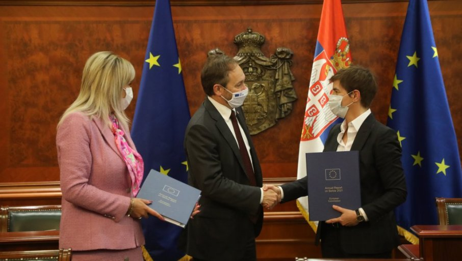 PLUS ZA PRIVREDU, A VEŽU NAM NOGE KOSOVOM: Izveštaj Evropske komisije o napretku naše zemlje, preporučeno otvaranje dva klastera