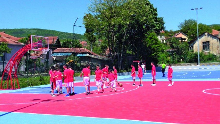 CARIBROD DO BEOGRADA: Dimitrovgrad košarkaški grad