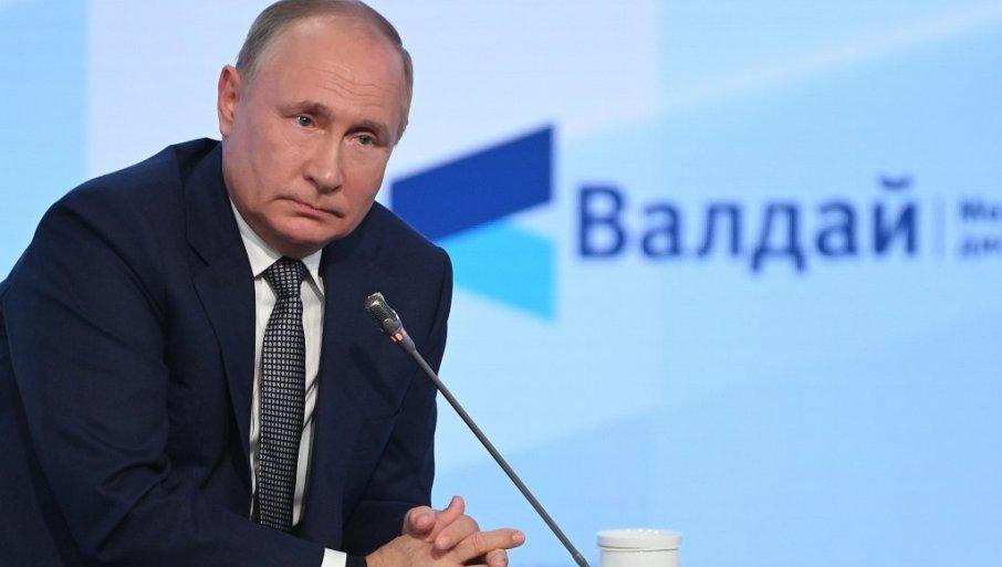 """NEKA PROBAJU DA NAS OGRANIČE: Putin na međunarodnom forumu """"Valdaj"""" u Sočiju rekao da se postojeći model kapitalizma iscrpeo"""