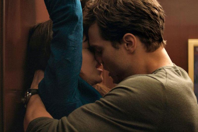 Najlepši filmski poljubac - Page 2 Scena-50-nijansi