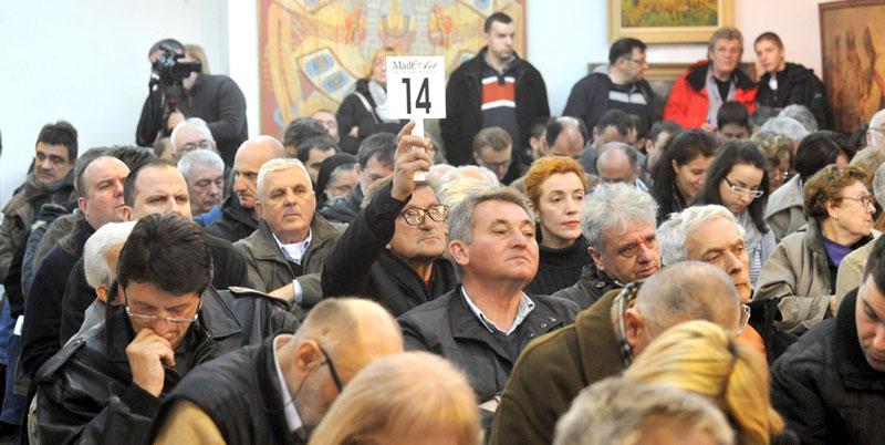 Aukcija U Madl Artutri Slike Plaćene Skoro 10000 Evra