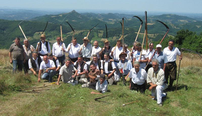 Учесници манифестације на Ђорђевића ливади
