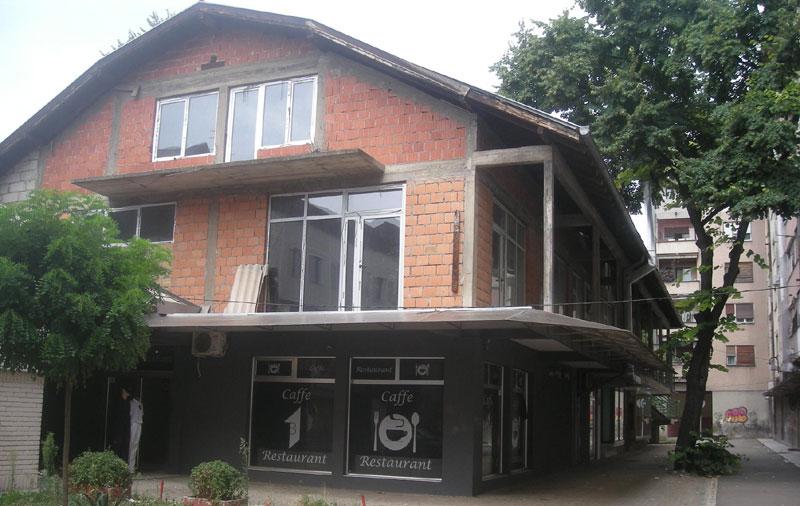 Надзидани спрат и поткровље у тржном центру у Синђелићевој