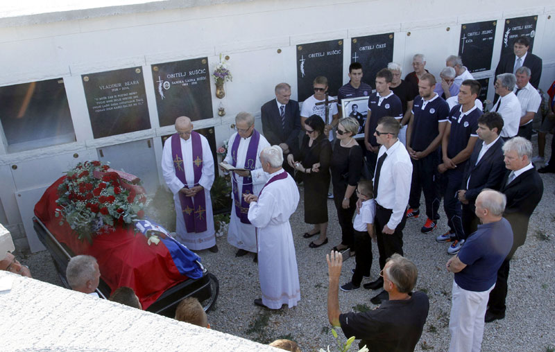 На испраћају Владимира Беаре била су и тројица католичких свештеникаФото Pixell.hr