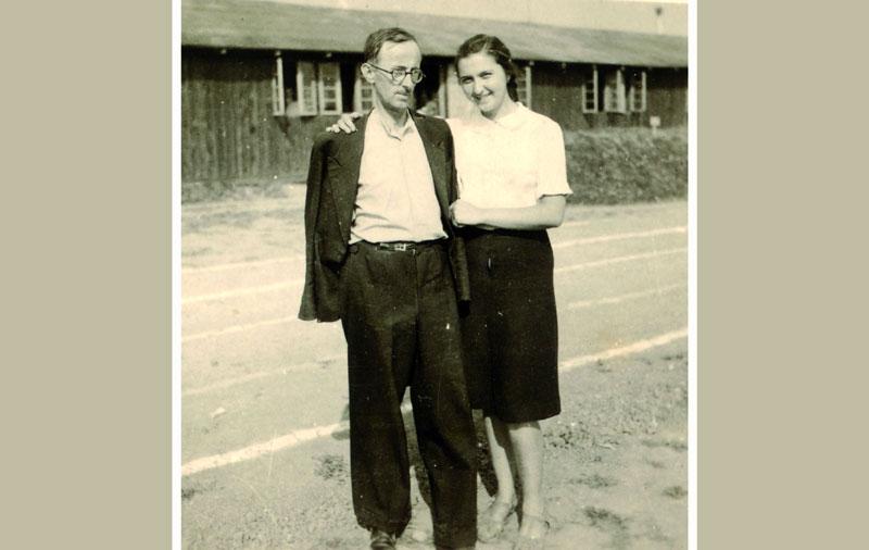 Слободанка са оцем за време окупације
