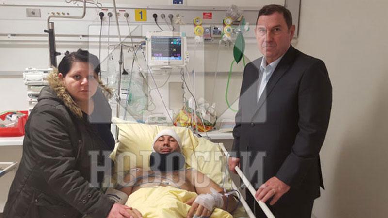 Сузана и Раде Васић са српским амбасадором Ристићем / Фото Г. Чворовић