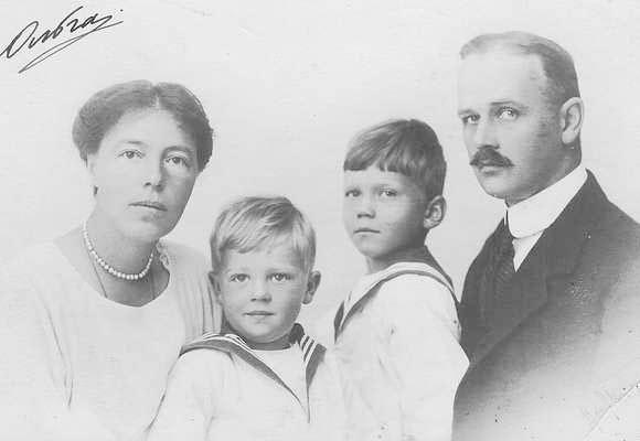 Олга и Николај Куликовски са децом