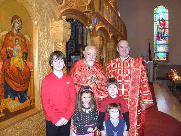 Теодор са оцем Василијем, сестрићима и ћерком Изабелом