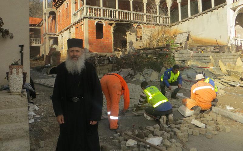 У манастиру Драганац се увелико ради