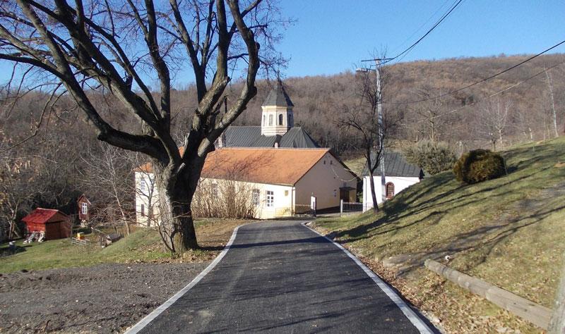 После деценију асфалтни пут изграђен и до Мале Ремете