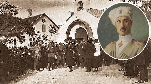 Један од сарадника генерала Врангела (на слици), снимљеног са саборцима 1926. испред Руске цркве у Београду, био је и Рогозинов предак