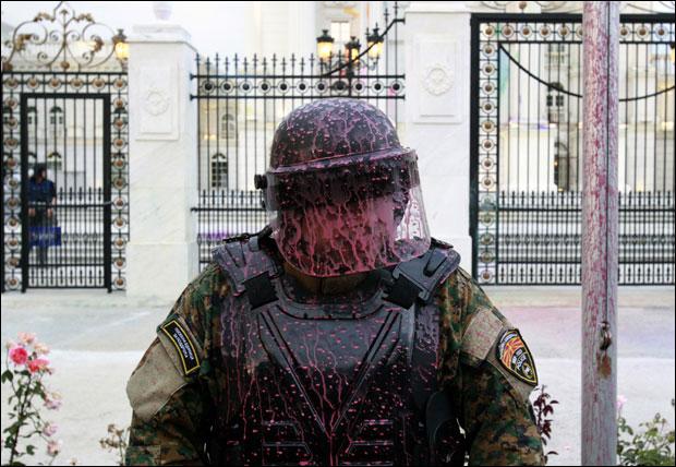 Шарени поново блокирали раскрснице у Скопљу 2