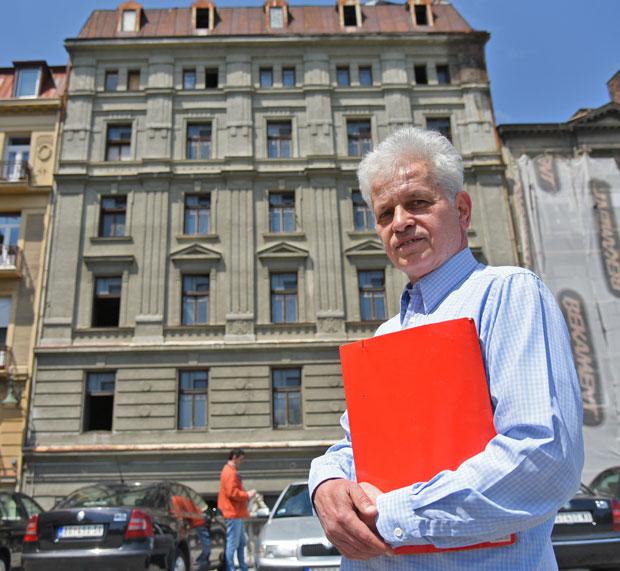 Миодраг Ерац, власник руинираног хотела, Фото А.Стевановић