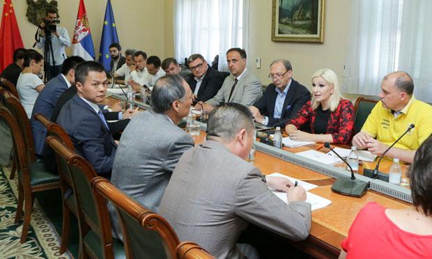 Mihajlović: Koridor 11 strateški važan, izvođači da pojačaju radove