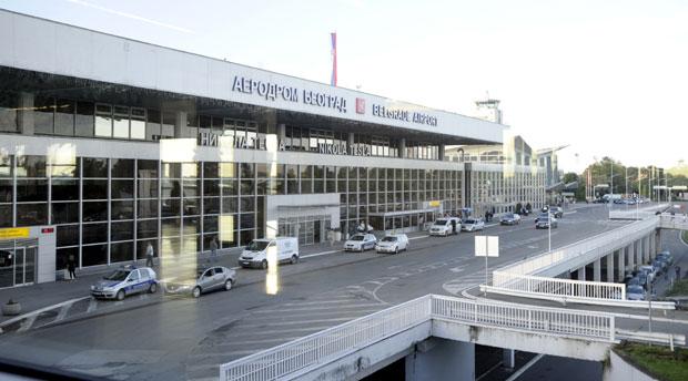 """Aerodrom zaposlio radnike """"Er Srbije"""""""