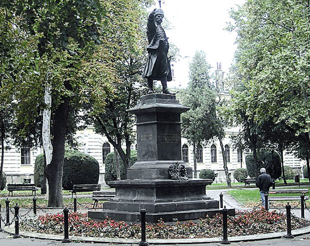 U Cast Srpskog Ustanka Građani Pozarevca Podigli Spomenik Knezu